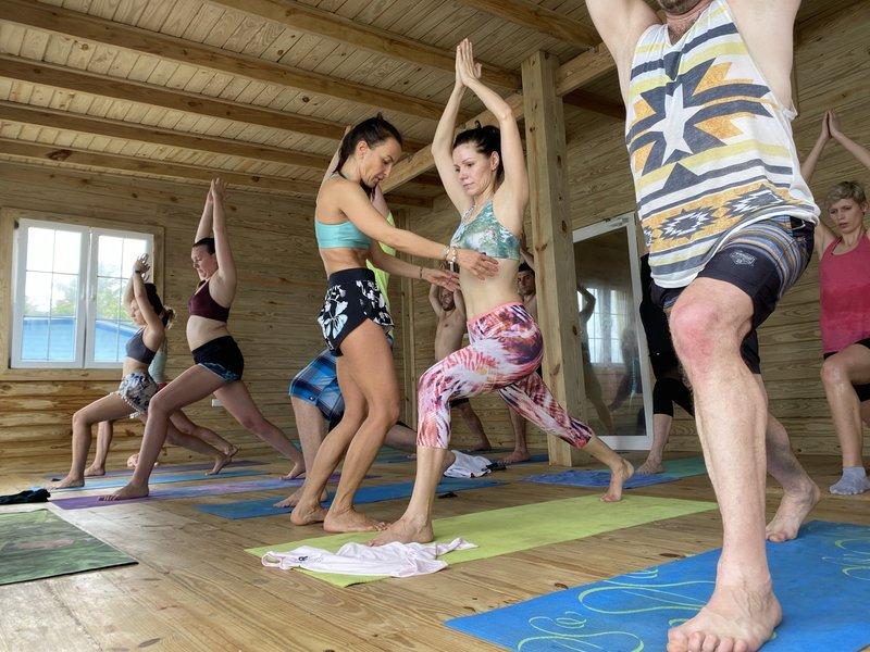 Jóga a surf Sardinie 2021 - pobyt s jógou